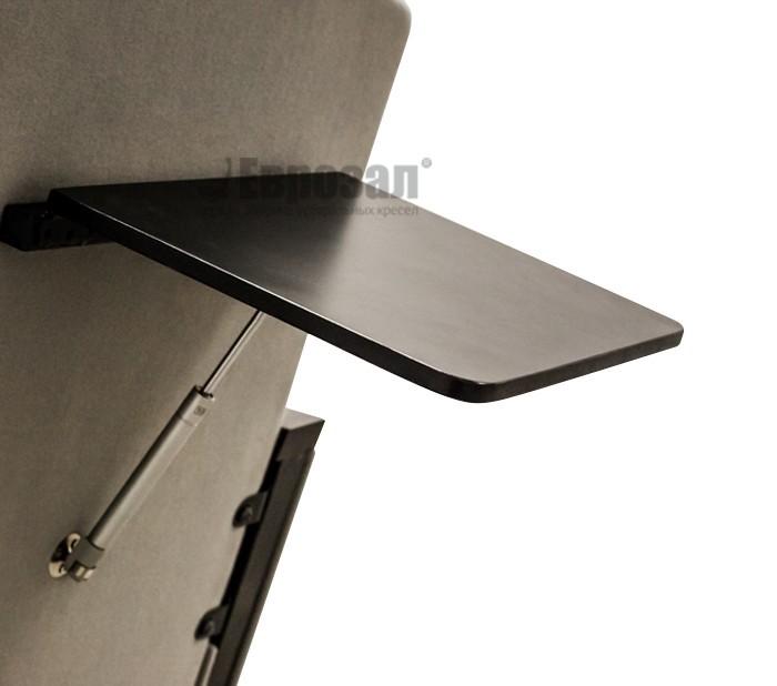 Столик на спинке кресла